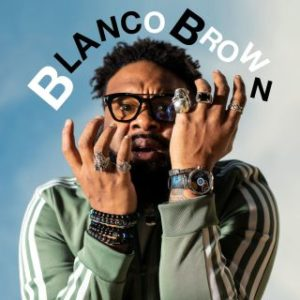 SIMPLY-RADIO_SIMPLYRADIO_SIMPLY_RADIO_ITALIA_ITALIANA_TIVù_TV_top_pop_musica_italia_roma_lazio_novita_novità_new_hit_top40_chart_uk_AMAZON_android_apple_APP_blanco_brown_the_git_up